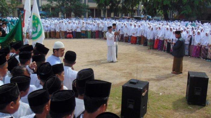 HOAKS: Sebanyak 5.000 Santri Ponpes Buntet Cirebon Ikut Aksi People Power 22 Mei