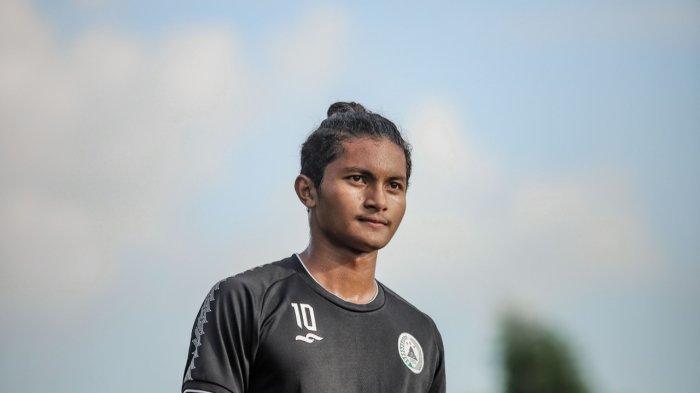 Rizza Fadillah, Stopper Muda Akademi PSS yang Diboyong Berlatih di Tim Utama PSS Sleman
