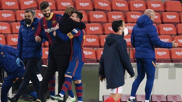 Ronald Koeman dan Lionel Messi di akhir semifinal Copa del Rey (Piala Raja) Spanyol Barcelona vs Sevilla FC di stadion Camp Nou di Barcelona pada bulan Maret 3, 2021.