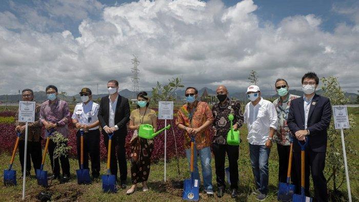 Royal Ambarrukmo Yogyakarta Tanam Pohon Langka di YIA