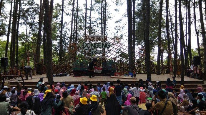 Pagelaran Dongeng Jogja digelar ketiga kalinya dengan mengusung nilai integritas dan kejujuran, Minggu (15/9/2019) di Panggung Sekolah Hutan Pinus Sari, Mangunan.