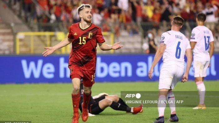 Alexis Saelemaekers selebrasi setelah mencetak gol di Kualifikasi Piala Dunia 2022 saat Belgia vs Republik Ceko