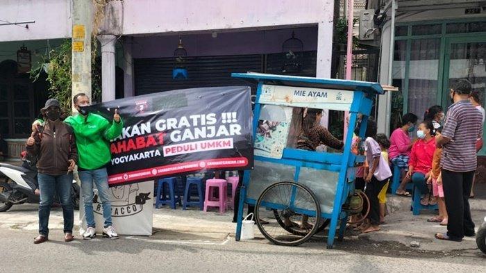 'Larisin Modalin', Sahabat Ganjar Gulirkan Aksi Borong Dagangan UKM di Yogyakarta