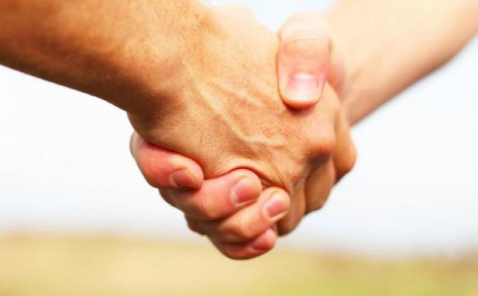 Penyebab Anda Sering Lupa Nama Teman Padahal Baru Saja Berkenalan