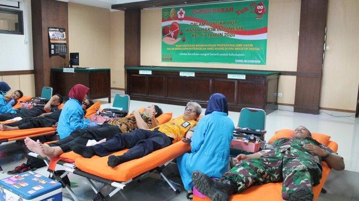 Sambut HUT Ikatan Hakim Indonesia ke-67, PN Wates Gelar Kegiatan Donor Darah