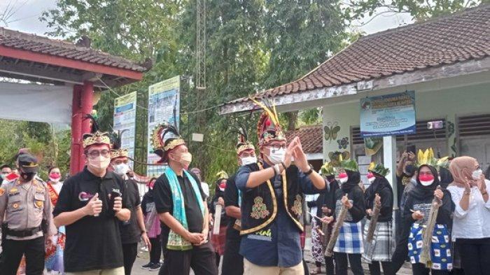 Menparekraf Sandiaga Uno Dorong Pelaku UMKM di Kulon Progo Turut Berkontribusi Gerakkan Ekonomi