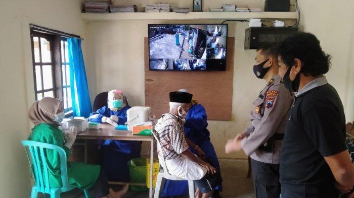 Sasar Vaksin untuk Lansia, Polres Magelang Gelar Vaksinasi Massal di Desa Kajoran Magelang