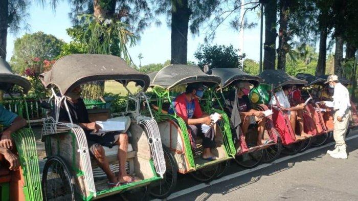 Sebanyak 125 Tukang Becak di Kulon Progo Terima Santunan