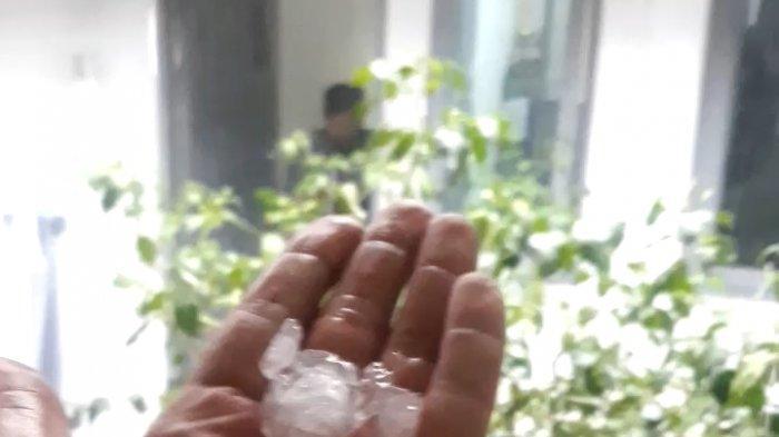 Butiran es yang mengguyur Kota Yogya pada Rabu (3/3/2021) siang