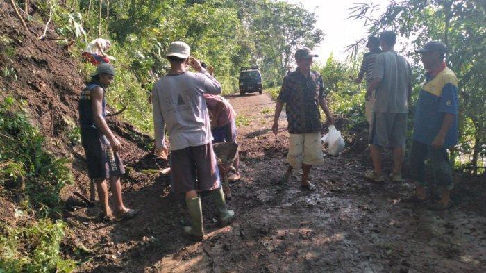 Cuaca Ekstrem, Dua Wilayah di Kabupaten Magelang Dilaporkan Longsor