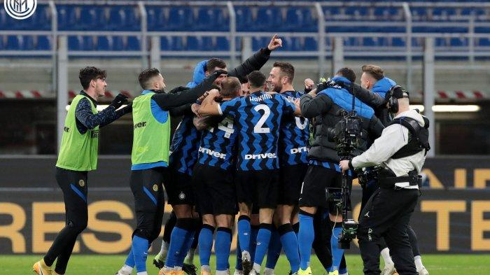 Selebrasi pemain Inter seusai kalahkan AC Milan di perempat final Coppa Italia di Giuseppe Meazza, Rabu (27/1/2021) dini hari WIB.