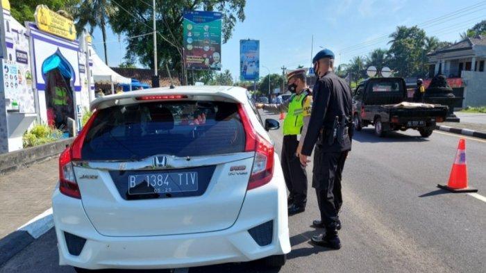 Seminggu Pelarangan Mudik, Sebanyak 194 Kendaraan Diputar Balikkan di Tugu Ireng