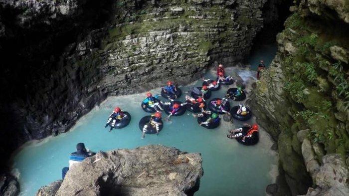 Tubing Gua Kalisuci, Destinasi Wisata di Yogyakarta yang Menantang Anda