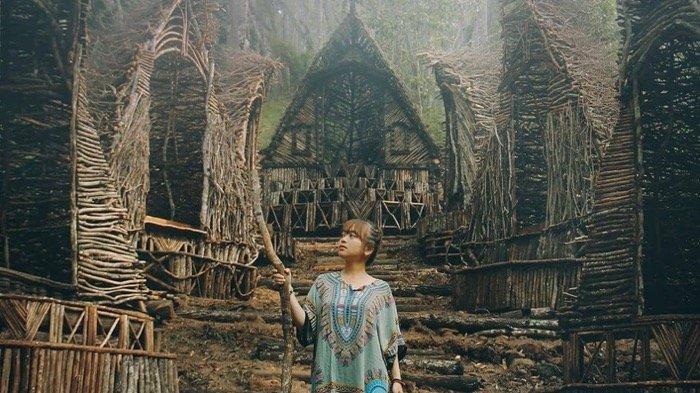INFO Spot Foto, Tiket dan Lokasi Wisata Seribu Batu Songgo Langit