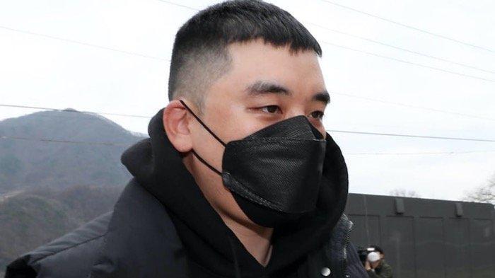 Seungri kembali menjalani sidang terkait terkait tuduhan perjudian dan melanggar Undang-Undang Transaksi Valuta Asing di pengadilan militer.