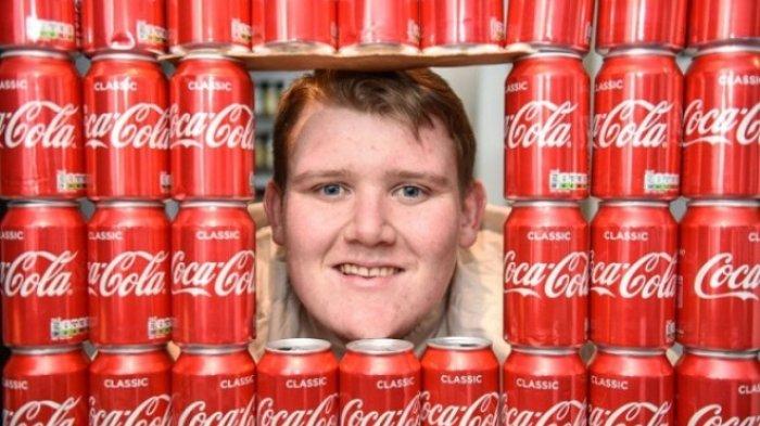 Wow! Pemuda 21 Tahun Ini Kecanduan Minuman Soda Sampai Bisa Habiskan 40 Kaleng Setiap Hari