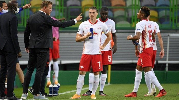 Pelatih RB Leipzig Julian Nagelsmann dan pemainnya