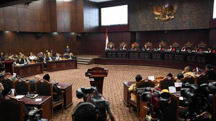 Perhitungan Suara Prabowo-Sandiaga Menang 52 Persen Ditolak MK
