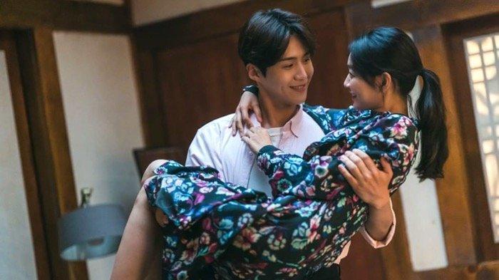 4 Daftar Drakor Komedi Romantis yang Wajib Ditonton di Bulan Oktober, Kisahnya Uwu Banget!
