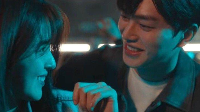 Lirik Lagu Love Me Like That - Sam Kim, OST Drakor Nevertheless Part 2 Lengkap dengan Terjemahan