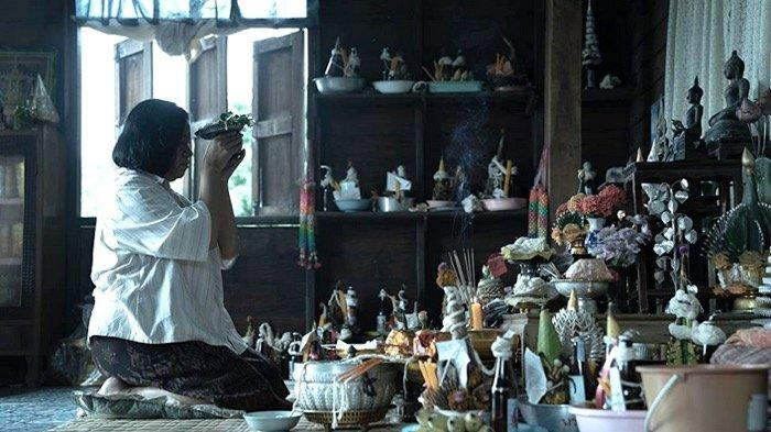Film Horror Thailand The Medium (2021)