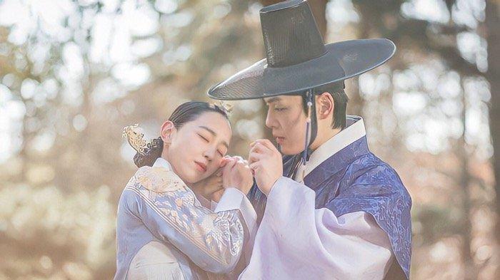 SINOPSIS Drakor Mr. Queen Episode 17: Rumor Kehamilan Ratu Kim So Yong