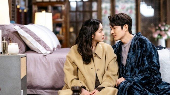Sinopsis The King: Eternal Monarch Episode 5 dan 6 : Jung Tae Eul Menginap di Istana