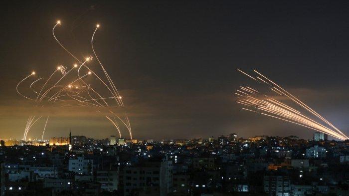 PALESTINA vs ISRAEL - Gaza Membara: Kami seperti di Film. Pesawat Membom dan Kami Tak Bisa Bergerak