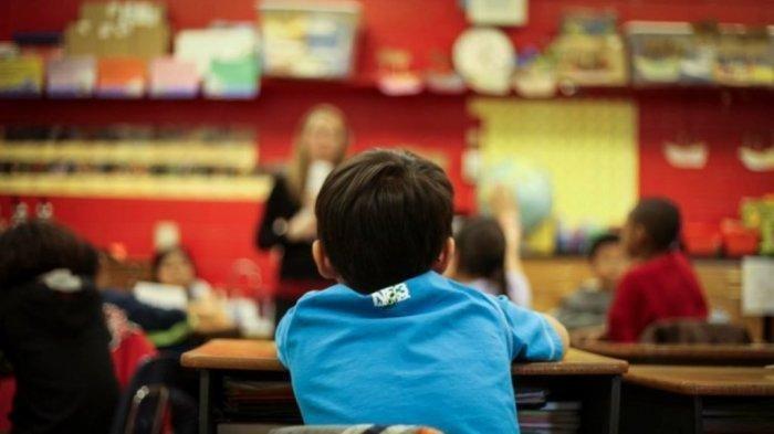 Siswa Kelas 4 SD Dikeluarkan dari Sekolah, Ortu Nunggak SPP Rp13 Juta, Sang Ibu: Hati Saya Hancur