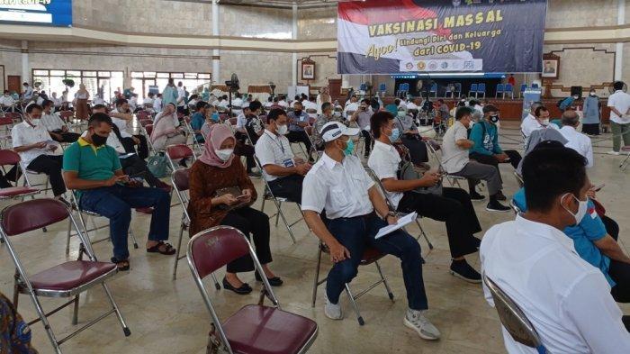 Sebanyak 304 Sivitas Akademika Universitas Amikom Yogyakarta Jalani Vaksinasi Covid-19