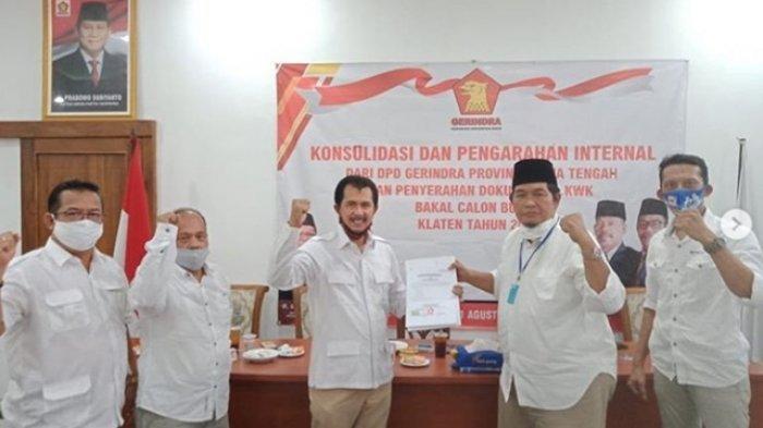 One Krisnata - Muhammad Fajri Resmi Terima SK Pernyataan Dukungan dari Partai Gerindra
