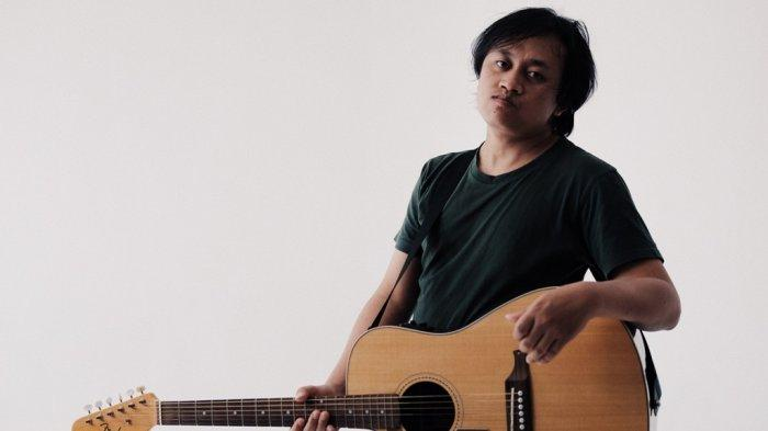 Eksplorasi Kebebasan Ala Nova Abdillah Lewat EP Perdana 'Puberty'