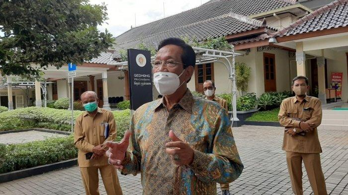 ILUSTRASI - Gubernur DIY, Sri Sultan Hamengku Buwono X, memberikan keterangan kepada awak media di Komplek Kepatihan, Pemprov DIY, Senin (18/1/2021).