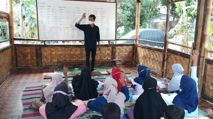 Dari Australia Mengabdi di Desa, Upaya Pemuda di Magelang Meredam Kesenjangan Pendidikan