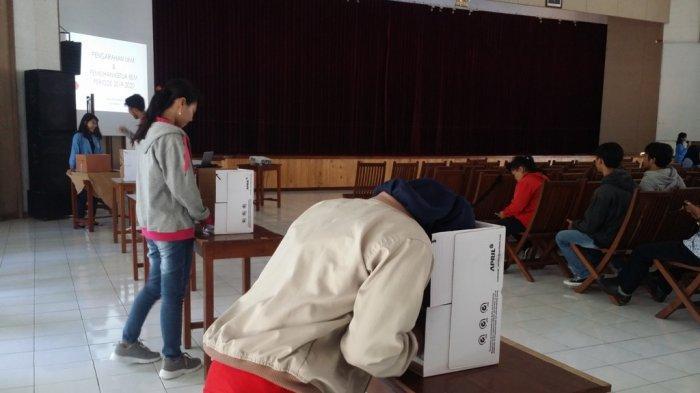 Mahasiswa ASMI Santa Maria Yogyakarta Belajar Berdemokrasi Lewat Pemilihan Ketua BEM