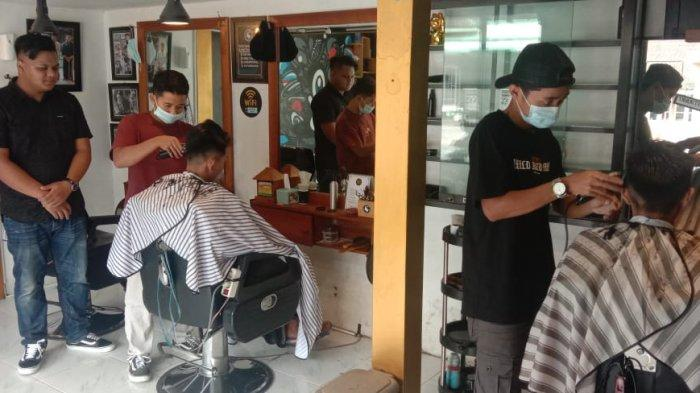 Sarjana Keguruan Asal Magelang Ini Sukses Buka Usaha Barber Shop, Omzet Rp 60 Juta per Bulan