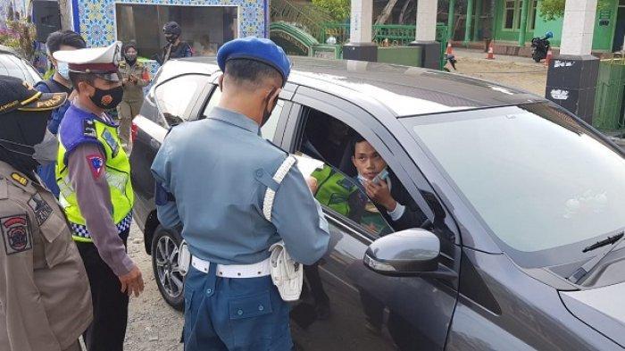 Diminta Putar Balik, 20 Kendaraan Tak Bisa Menunjukan Surat di Perbatasan Kulon Progo - Purworejo