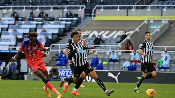 NEWCASTLE 0-2 CHELSEA: The Blues Nangkring di Puncak Klasemen Liga Premier Inggris