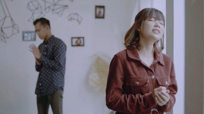 Rubrik Music Zone: Tami feat Dhani Atmadja Rilis Lagu 'Aku Yang Terbuang'