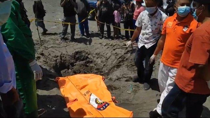Temuan kerangka manusia di pesisir Pantai Parangkusumo, Bantul, Selasa (21/9/2021)