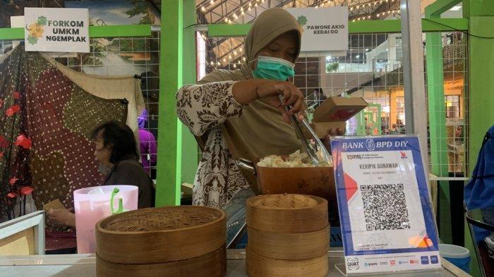 Penggunaan QRIS di Pasar Lebaran 2021 di SCH Mudahkan Pengunjung Beli Produk UMKM