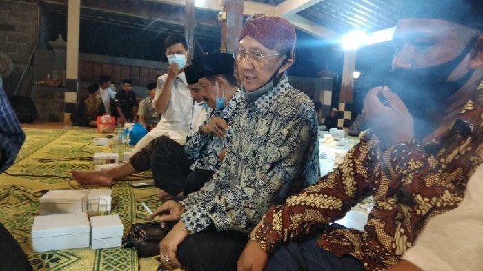 Ki Manteb Sudharsono hadir di tahlilan 7 hari meninggalnya Almarhum Ki Seno Nugroho di Dusun Gayam, Argosari, Sedayu, Bantul.