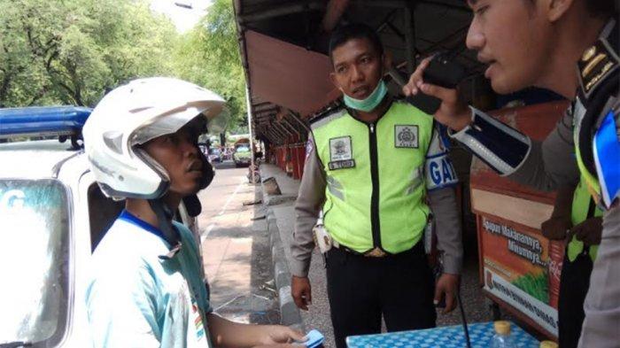 Setelah Berdebat Panjang, Andre Diberi Surat Tilang Warna Biru dengan Denda Rp 500 Ribu