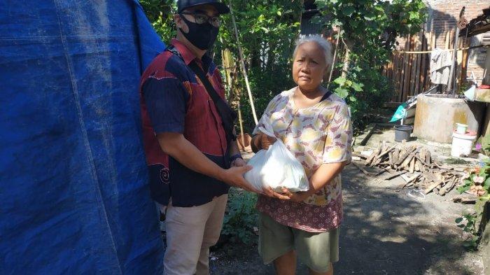 Tim Aksi Nasi Gratis Jogja Bagikan Bantuan Sembako ke Masyarakat Terdampak Covid-19 dan Panti Asuhan