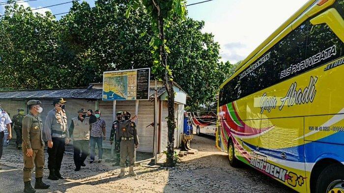 Lima Bus Pariwisata Diminta Putar Balik Saat Mengunjungi Kawasan Pantai di Gunungkidul