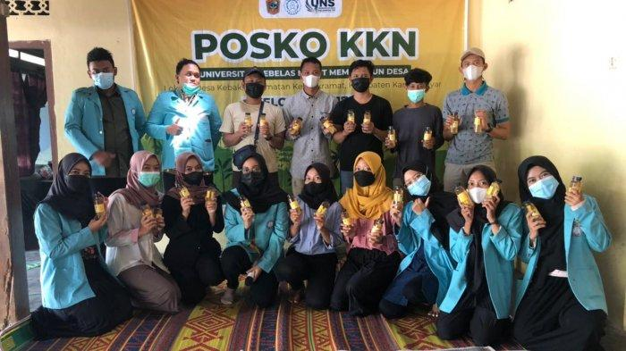 Tim Kuliah Kerja Nyata (KKN) UNS Kelompok 170 saat melaksanakan kegiatannya