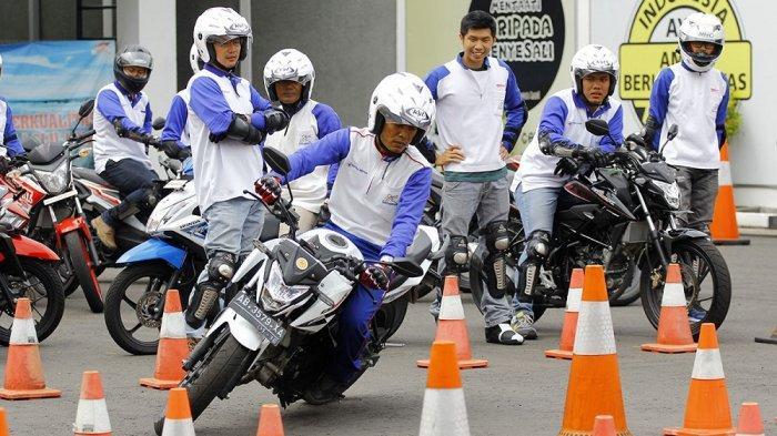 Tips Nyaman Berkendara ala Bikers Honda