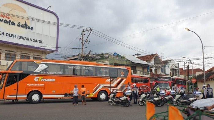 Banyak Bus Pariwisata Parkir di Ruas Jalan Kota Yogyakarta, Dishub DIY Siapkan Skema Transit