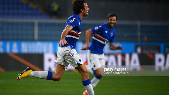 Tommaso Augello melakukan selebrasi setelah mencetak gol di Serie A Italia Sampdoria vs Lazio di Stadion Luigi Ferraris di Genoa, pada 17 Oktober 2020.