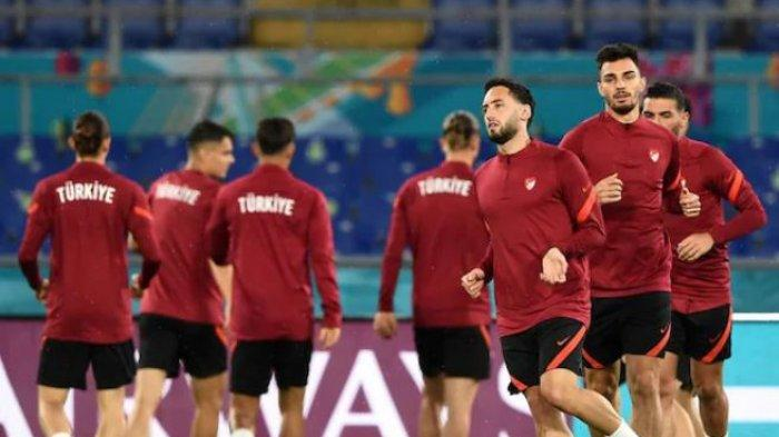 Transfer PEMAIN AC Milan Jelang EURO 2020, Hakan Calhanoglu Dipersimpangan